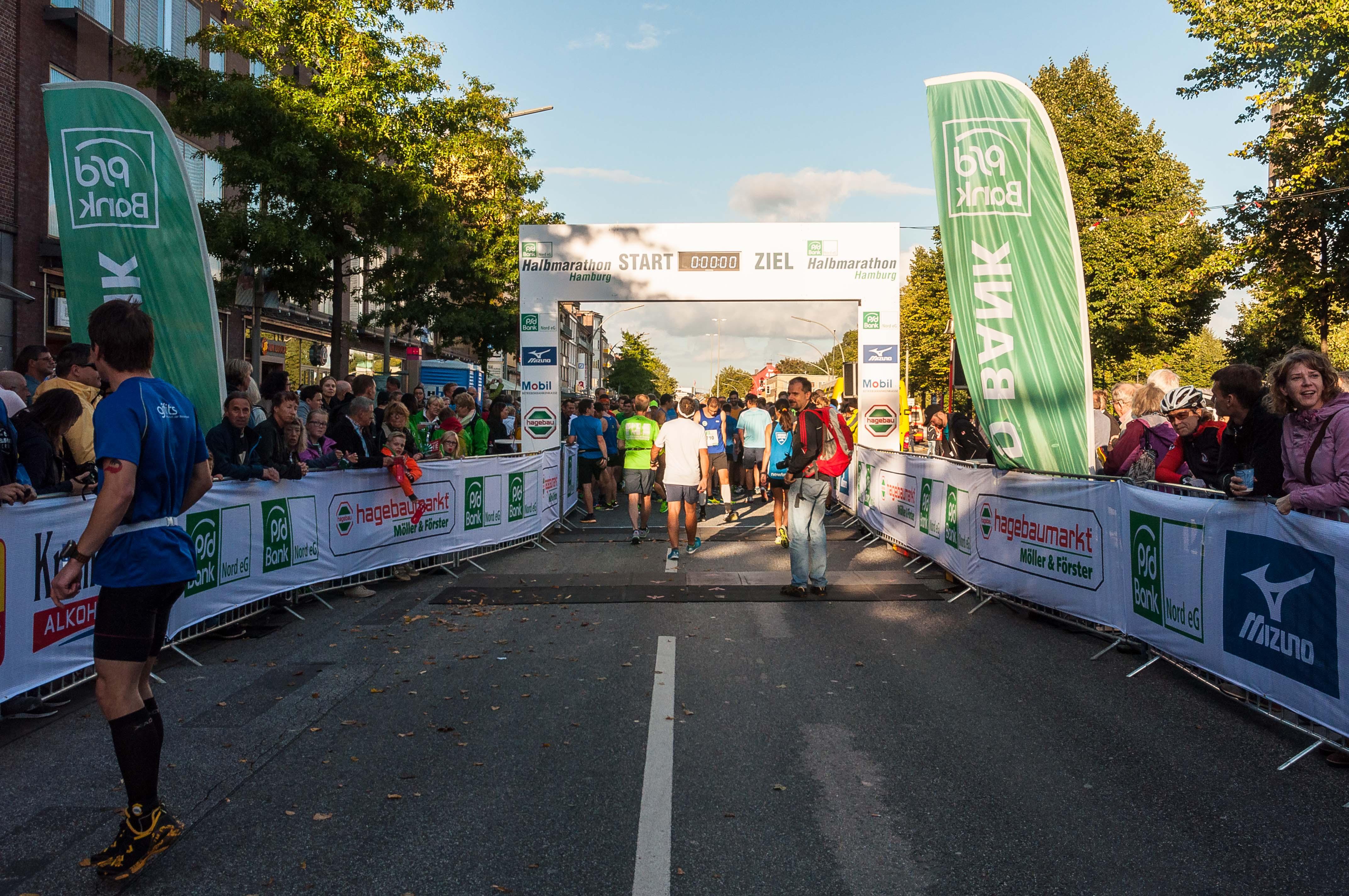 Spendenaktion der PSD Bank Nord im Rahmen des Halbmarathons | PSD ...
